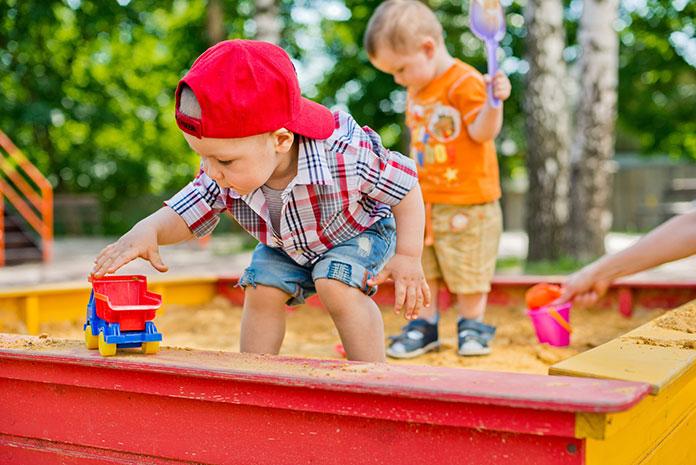 Twórcze gry i zabawy w piaskownicy z dzieckiem