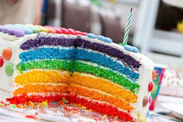 Jakie dekoracje na tort dla malucha?
