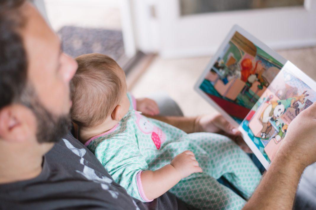 co czytac niemowlakowi