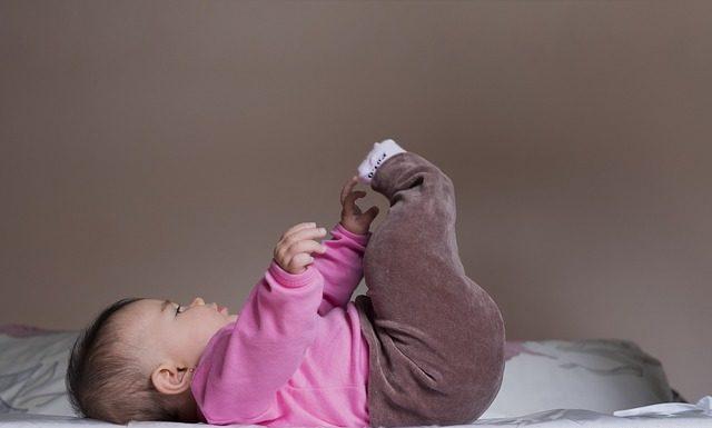 niemowlakowi musi się odbić