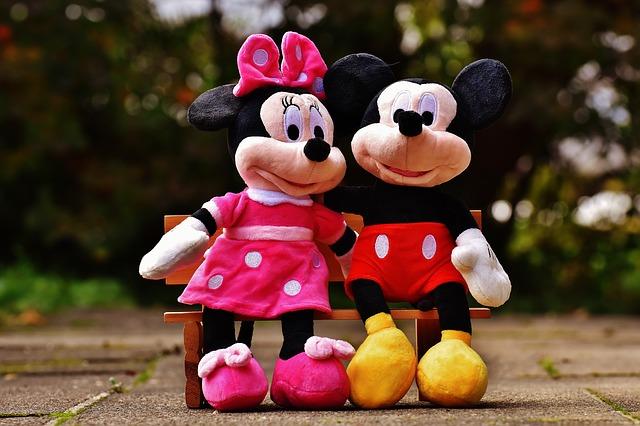 Klub przyjaciół Myszki Miki – pomysły na prezent dla dzieci z motywem słynnej myszki
