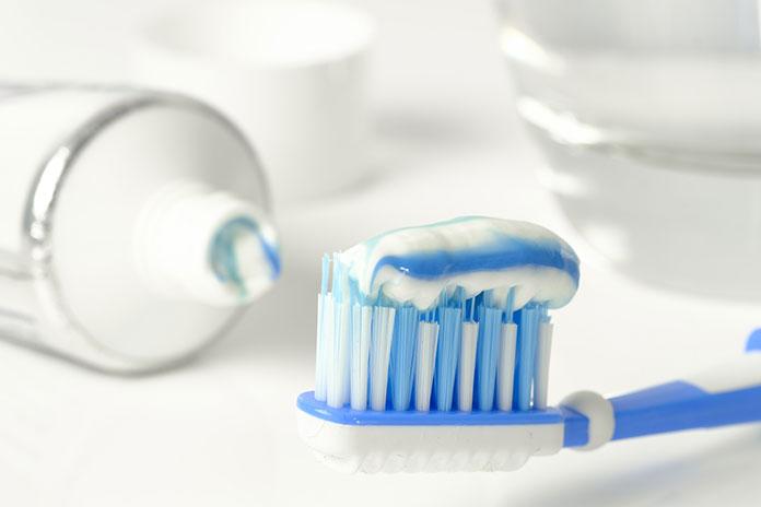 Pasty do zębów przeciw próchnicy